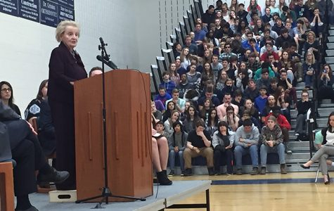 Former Secretary of State Speaks at Woodgrove High School