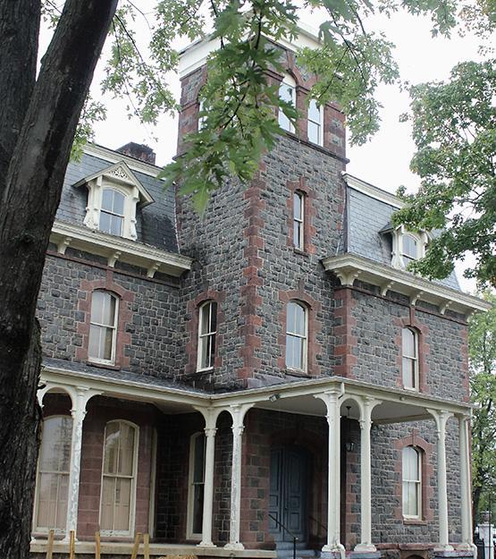 Paxton Manor