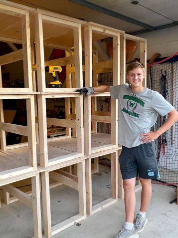 Local Teen Makes Free Desks Amid Virtual Learning